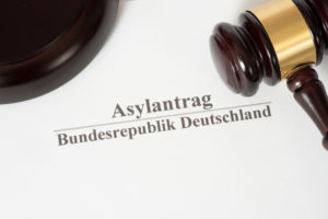 INSA-Umfrage zur Diskussion über das grundgesetzlich garantierte Recht auf Asyl